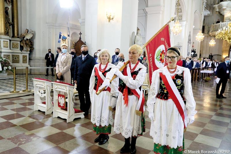Dożynki Prezydenckie zudziałem KGW Pierzchów